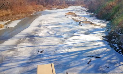Ice at Republican River at Clay Center, KS on Jan. 16, 2015. Photo by Dirk Hargadine, USGS.
