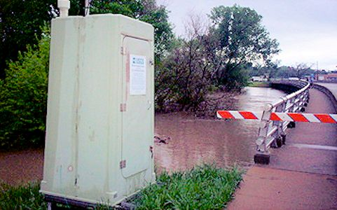 16,800 cfs at Smoky Hill River at Ellsworth, KS on May 6, 2007. Photo by Dirk Hargadine, USGS.