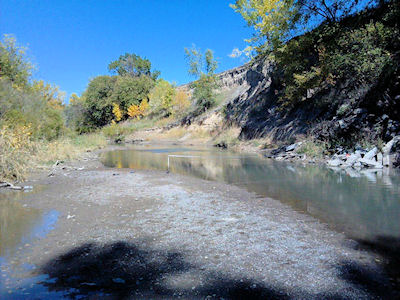 16.7 cfs at Solomon River near Glen Elder, KS on Oct. 2, 2012. Photo by Lori Marintzer, USGS.