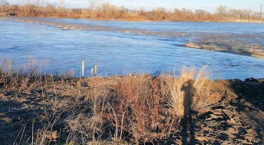 19,200 cfs at Kansas River at Topeka Water Plant, KS on Dec. 16, 2015. Photo by Madison May, USGS.