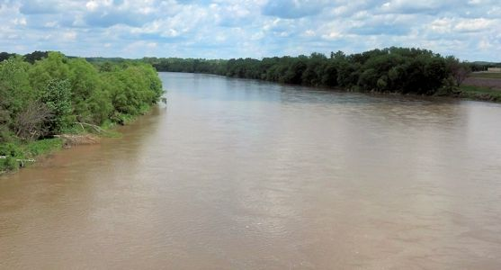 11,600 cfs at Kansas River at Topeka, KS on June 7, 2013. Photo by Arin Peters, USGS.