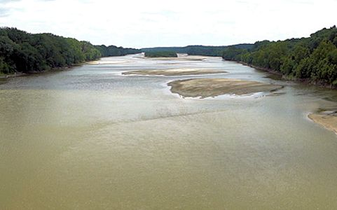 1,360 cfs at Kansas River at Lecompton, KS on June 20, 2012. Photo by USGS.