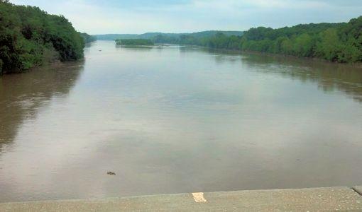 7,110 cfs at Kansas River at Lecompton, KS on May 28, 2013. Photo by Arin Peters, USGS.
