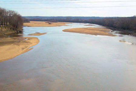 664 cfs at Kansas River at DeSoto, KS on Apr. 2, 2013. Photo by Craig Painter, USGS.
