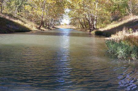 Marais des Cygnes River at Melvern, KS on Oct. 22, 2013. Photo by Anita Kroska, USGS.
