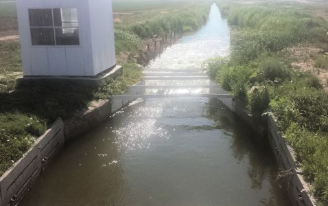 22 cfs at Frontier Ditch near Coolidge, KS on July 9, 2014. Photo by Nathan Sullivan, USGS.