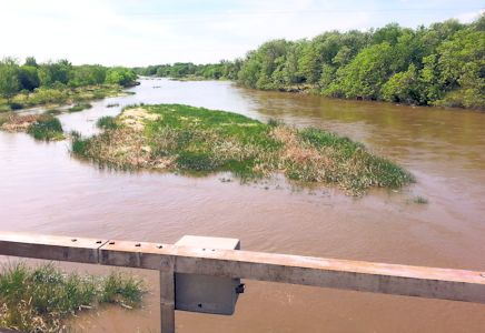 605 cfs at South Fork Ninnescah River near Murdock, KS on May 13, 2014. Photo by Chris Moehring, USGS.