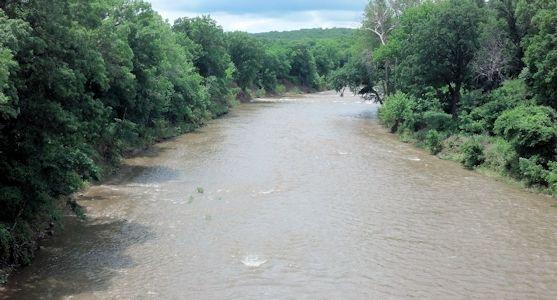 928 cfs at Caney River near Elgin, KS on June 5, 2013. Photo by Slade Hackney, USGS.